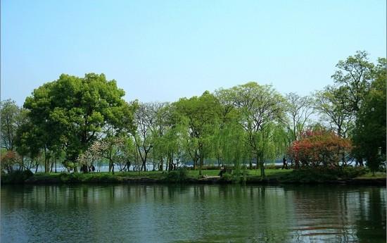 风光旖旎的西湖苏堤春晓_杭州风景图片大全_中国国旅