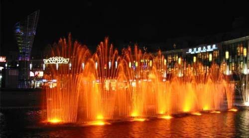 浙江 宁波 -> 宁波商业航母:天一广场    天一广场坐落在海曙区,主体