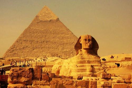 """埃及""""金字塔"""" 《变形金刚2卷土重来》取景地图片"""