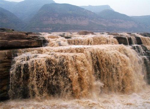 黄河壶口瀑布图片_延安风景图片大全_中国国旅(上海)