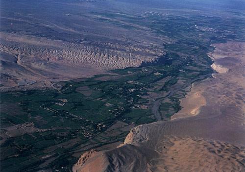 吐鲁番盆地图片_吐鲁番风景图片大全_中国国旅(上海)